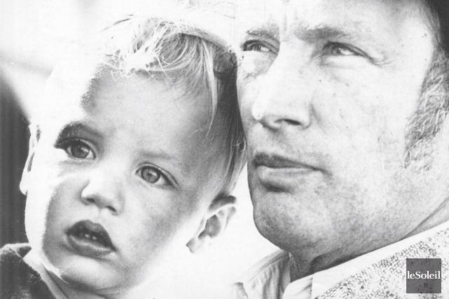 Justin Trudeau et son père, Pierre Elliott, en... (Archives Le Soleil)