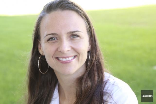Synthia Harnois, une mère de famille monoparentale originaire... (Janick Marois, La Voix de l'Est)