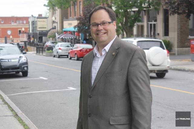 Le maire de Drummondville, Alexandre Cusson, voit d'un... (Archives, La Tribune)