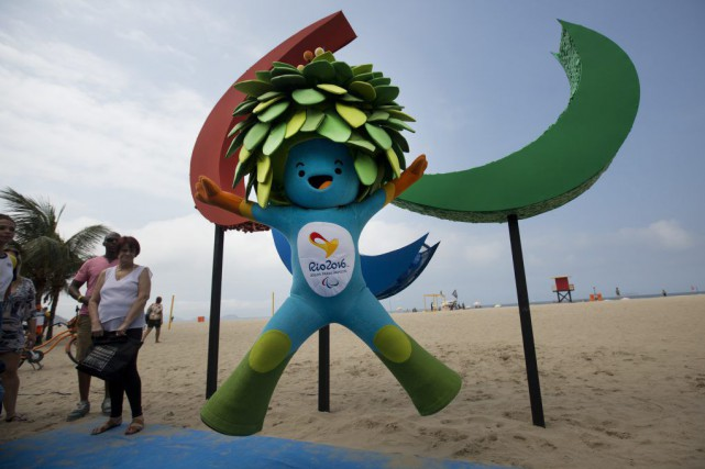 Tom, la mascotte des Jeux paralympiques de Rio... (PHOTO SILVIA IZQUIERDO, ASSOCIATED PRESS)