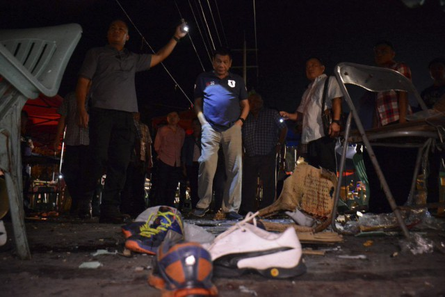 Leprésident RodrigoDuterte s'est rendu sur les lieux de... (Photo Reuters/Fournie par le palais présidentiel philippin)