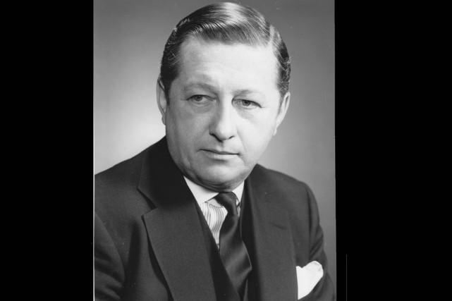 Organiste de renommée internationale, Raymond Daveluys'est produit sur...