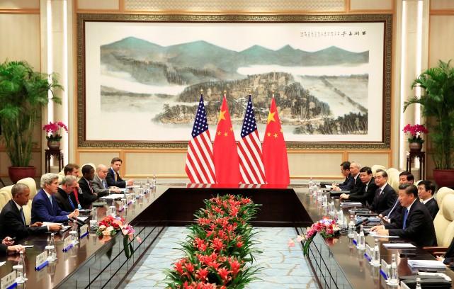 Le président chinois Xi Jinping prend la parole... (REUTERS)