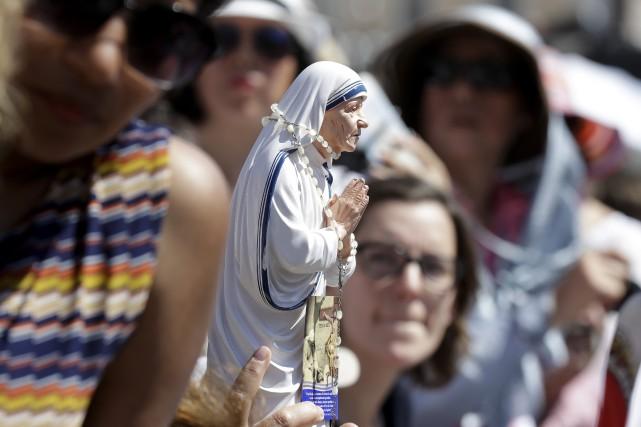 Le rituel catholique de la canonisation nécessite deux... (AP)
