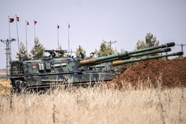 Des forces arabo-kurdes ont pénétré pour la première fois lundi à Tabqa, un... (PHOTO BULENT KILIC, archives AFP)