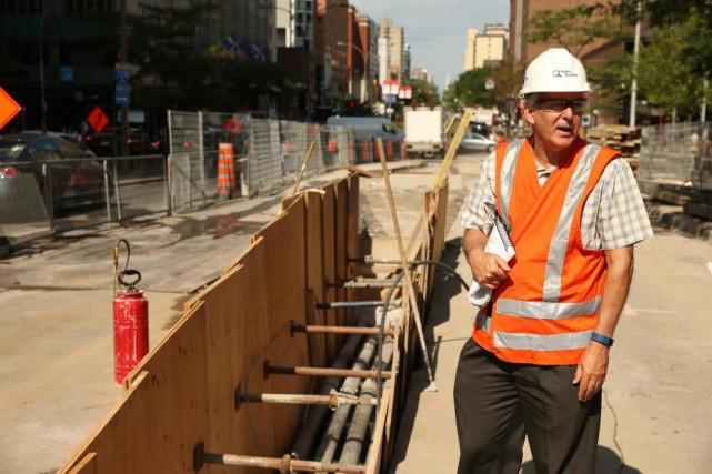 André Burroughs, archéologue à l'unité environnement d'Hydro-Québec, devant... (Photo Martin Chamberland, La Presse)