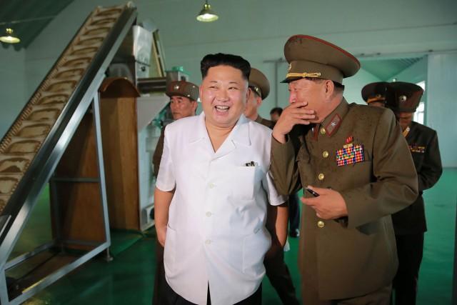 Kim Jong-Un a appelé l'armée à poursuivre le... (Photo AFP)