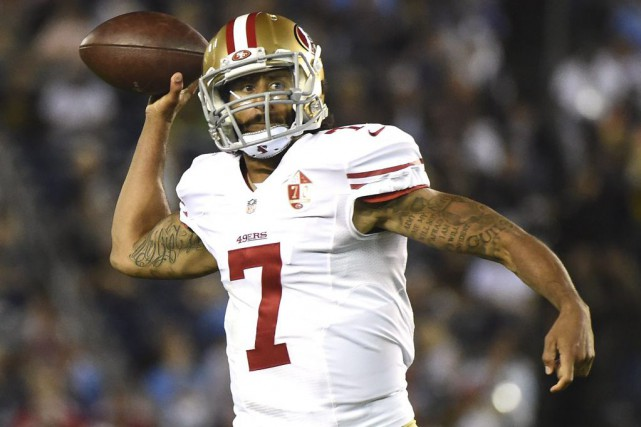 Colin Kaepernick... (PHOTO HARRY HOW, archives AFP)