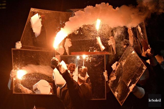 Après 40 représentations, la troupe Flip FabriQue a... (Photothèque Le Soleil, Pascal Ratthé)