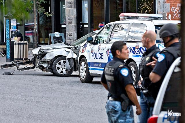 Après leur braquage, les deux suspects avaient tenté... (PHOTO PATRICK SANFAÇON, ARCHIVES LA PRESSE)