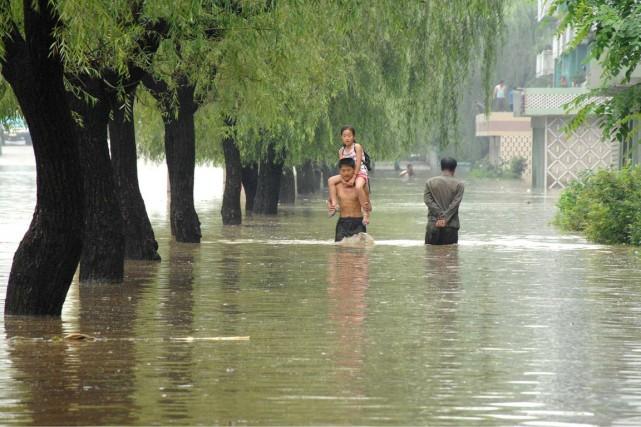 À l'été2012, des inondations et glissements de terrain... (photo archives KCNA,AFP)