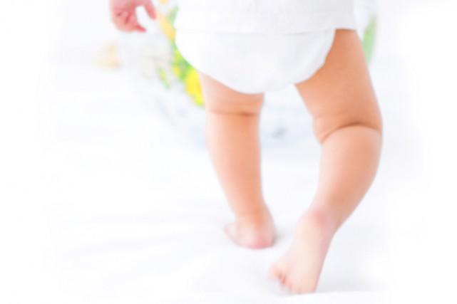 Les bébés qui rampent et se tiennent debout tôt ont un niveau cognitif... (PHOTO THINKSTOCK)