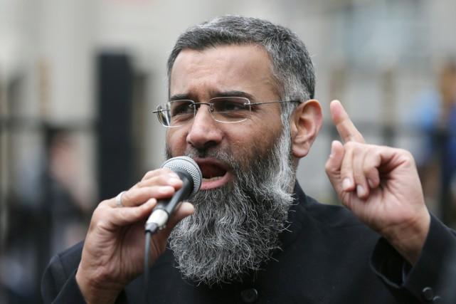 Anjem Choudary,prédicateur emblématique dans les milieux islamistes britanniques,... (photo Tim Ireland, archives AP)