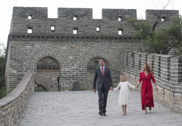 «Le premier ministre canadien a vanté les mérites... (PHOTO ADRIAN WYLD, LA PRESSE CANADIENNE)