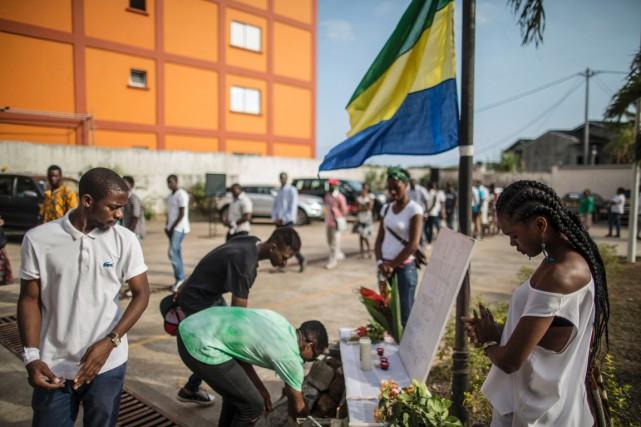 Mardi après-midi, des partisans de l'opposition se sont... (photo MARCO LONGARI, AFP)