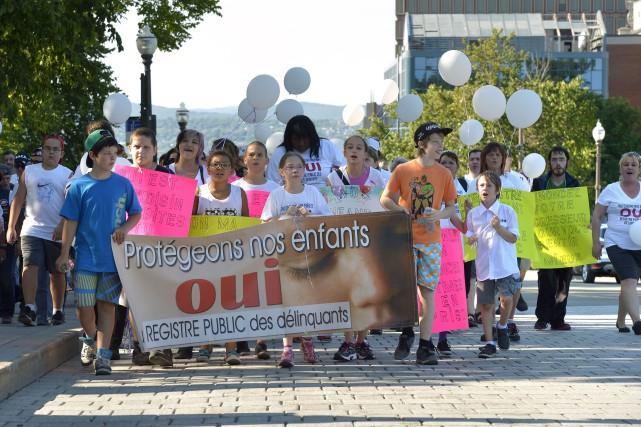 Samedi, à Québec, des citoyens ont manifesté afin... (Photothèque Le Soleil, Jean-Marie Villeneuve)