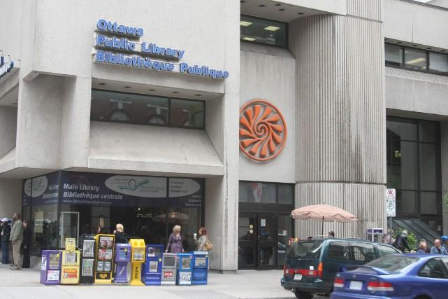 Le rapport indique que l'espace accordé aux bibliothèques... (Patrick Woodbury, LeDroit)