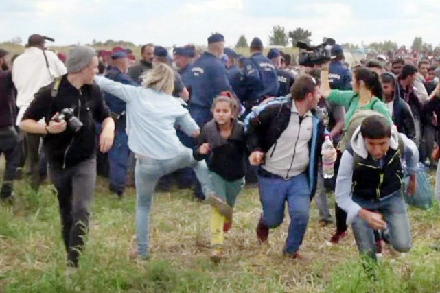 Les images de cette opératrice de télévision donnant,... (image archives INDEX.HU/AFP)