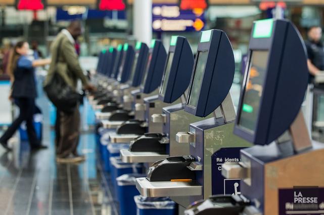 En 2013, plusieurs bornes d'enregistrement aux douanes de... (Photo EDOUARD PLANTE-FRECHETTE, ARCHIVES LA PRESSE)