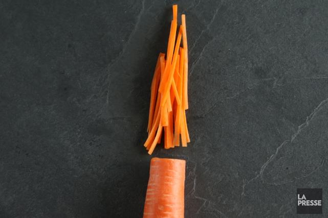 En julienne: des bâtonnets fins de 4 à... (PHOTO MARTIN CHAMBERLAND, LA PRESSE)