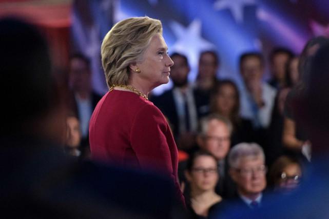 Hillary Clintona participé mercredià une assemblée publique diffusée... (PHOTO AFP)