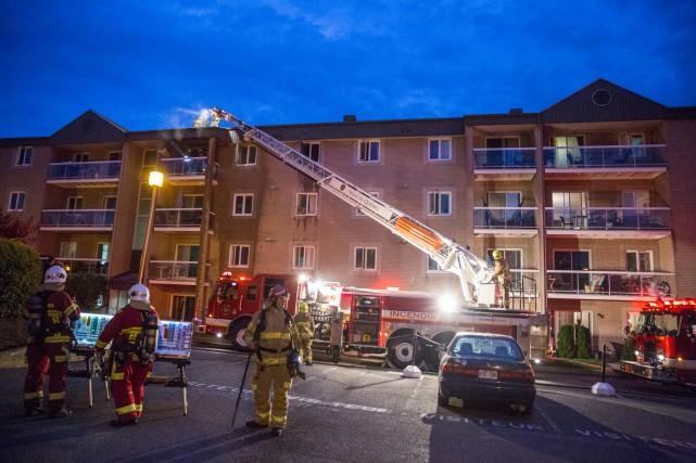 Quarante-cinq pompiers sont intervenus vers 19h20 mercredi alors... (Collaboration spéciale Steve Jolicoeur)