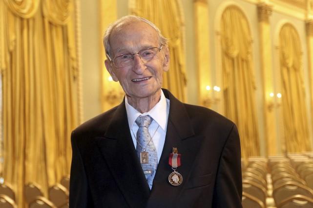 Joffre Bélanger, 101ans, a notamment piloté le changement... (Etienne Ranger, LeDroit)