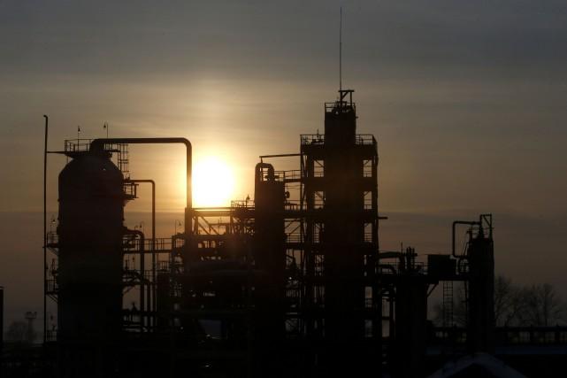 Les cours du pétrole ont terminé en légère hausse lundi, poursuivant à un... (Photo archives Reuters)