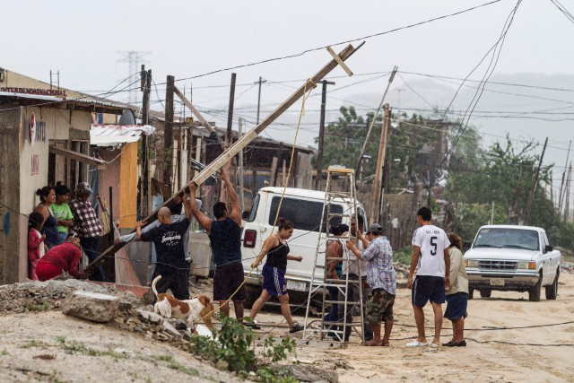 Newtona balayé le nord-ouest du Mexique tôt mercredi,... (AFP)