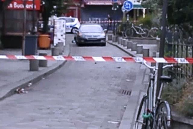 Cette image tirée d'une vidéo montre la voiture... (AFP)