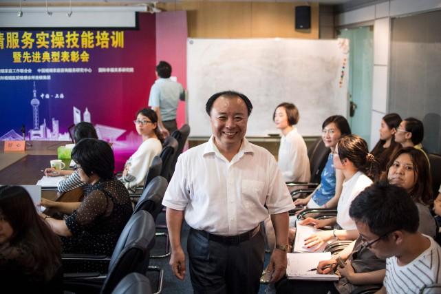 Shu Xin, le fondateur deWeiqing («Protection des sentiments»... (Photo Johannes Eisele, AFP)