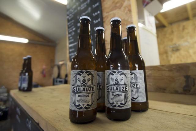 Les bières de la microbrasserie Sulauze.... (PHOTO AFP)