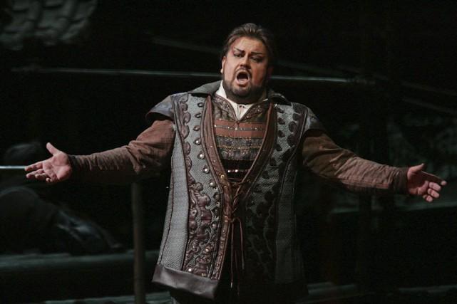 Johan Botha dans l'opéra Turandot en décembre 2004.... (PHOTO ARCHIVES AP)
