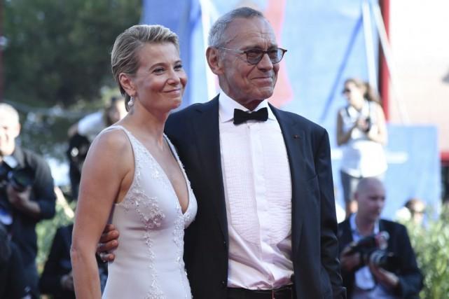 Le réalisateurAndreï Konchalovsky en compagnie de l'actrice Julia... (PHOTO AFP)
