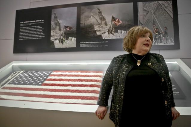 Shirley Dreifus, la propriétaire originale du drapeau qui... (AP)