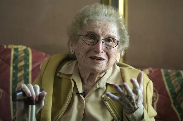 Rosa Roisinblita assisté jeudi à la condamnation de... (PHOTO JUAN MABROMATA, AFP)