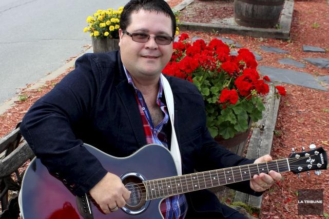 Après une dizaine d'années d'absence, le chanteur country... (La Tribune, Yvan Provencher)