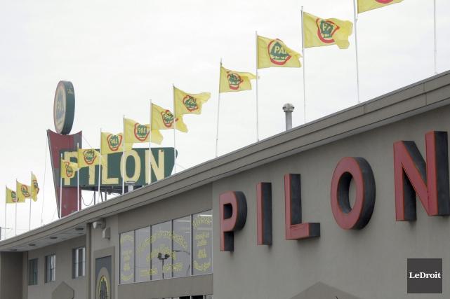 Le magasin Pilon Ltée a pignon sur rue... (ETIENNE RANGER, Archives LeDroit)