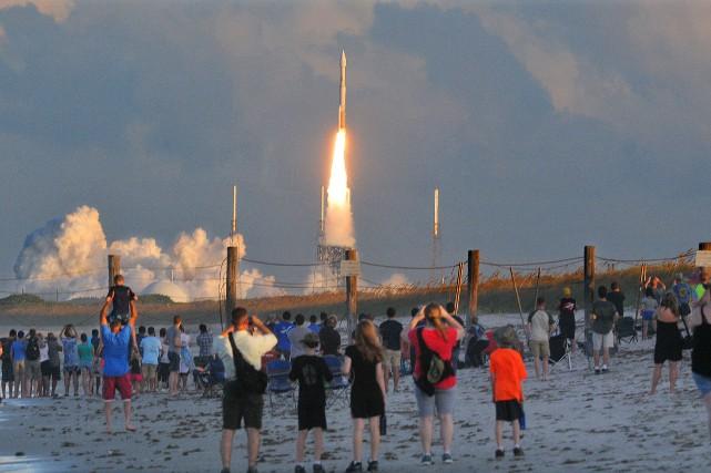 La sonde américaine Osiris-Rex a décollé jeudi soir... (AP)