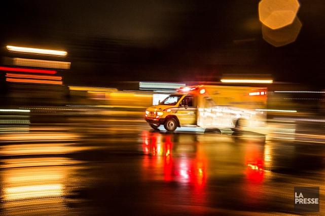 Une femme de 24ans a perdu la vie dans une violente collision survenue la nuit... (PHOTO ARCHIVES LA PRESSE)