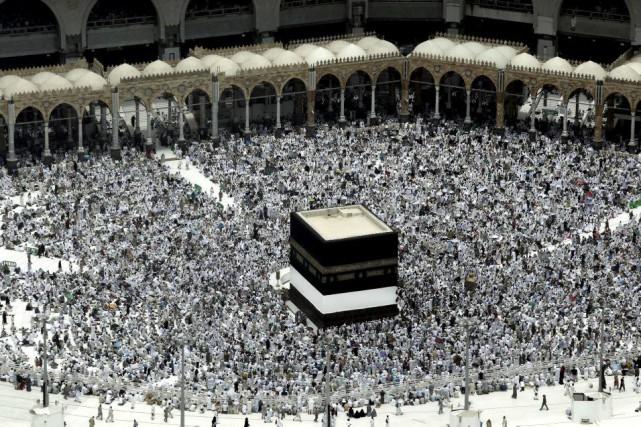 Dans la Grande mosquée et sur l'esplanade, des... (PHOTO Nariman El-Mofty, AP)