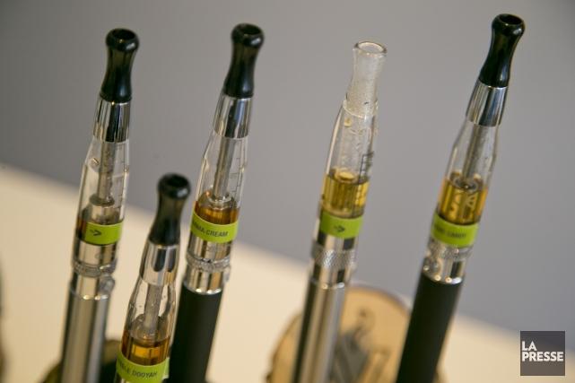 Toutes les cigarettes électroniques émettent des produits chimiques nocifs,... (Archives La Presse)