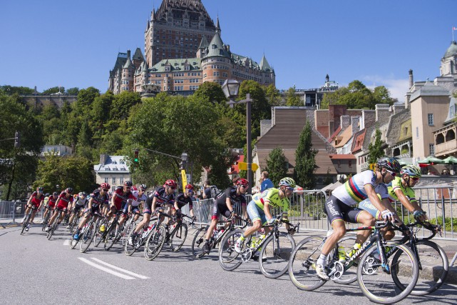 Le Slovaque Peter Sagan (Tinkoff) a surpris tout le monde lors du sprint final... (Photo La Presse Canadienne)