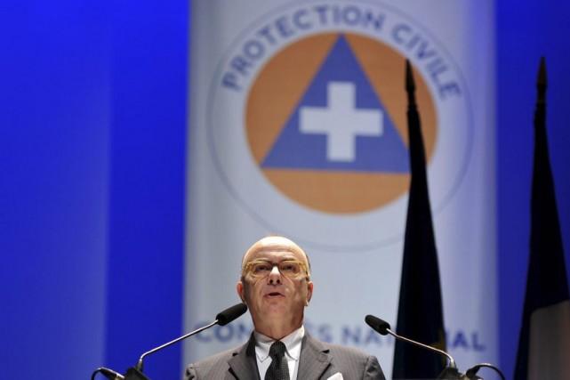 Le ministre de l'Intérieur Bernard Cazeneuve... (PHOTO GUILLAUME SOUVANT, AFP)