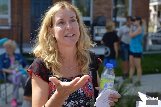 La conseillère Julie Lemieux accuse l'opposition d'être «alarmiste»... (Le Soleil, Yan Doublet)