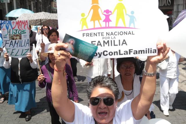 Le «Front national pour la famille», qui fédère... (Photo AFP)