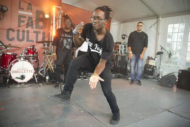 Le groupe de danse hip-hop Race a foulé... (Martin Roy, LeDroit)