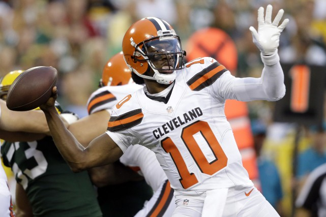 Robert Griffin III... (Photo Jeffery Phelps, AP)