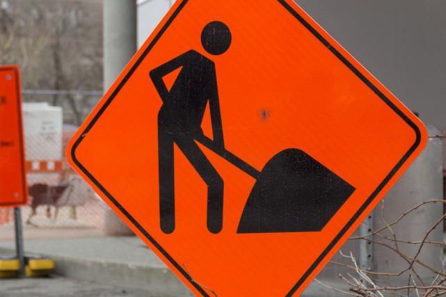Les travaux annoncés sur la rue Léger, qui doivent perturber la circulation à... (Spectre Média, Marie-Lou Béland)