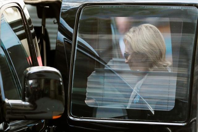 Hillary Clinton, qui a eu un malaise aux cérémonies du 11-Septembre dimanche à... (Photo Reuters)